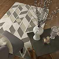 Cream Geometric Kenric Area Rug, 8x10