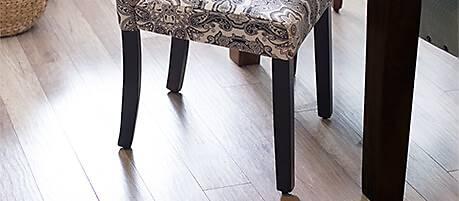 Classic Leg Chair