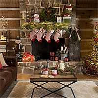 Cedar Lane Christmas Livingroom