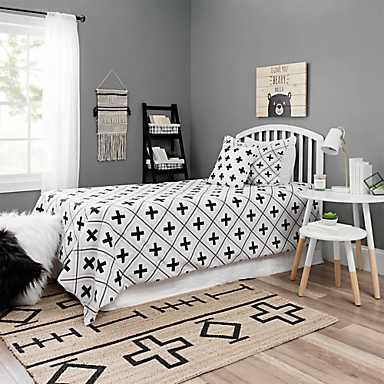 Kids bedroom furniture and decor