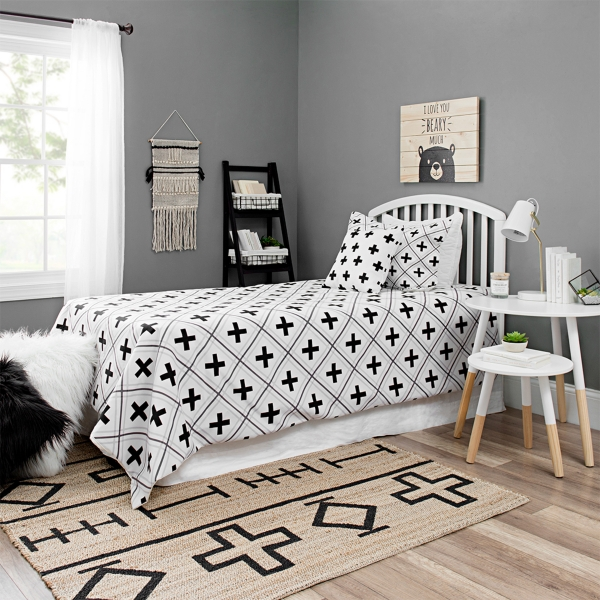 Kids bedroom furniture and decor