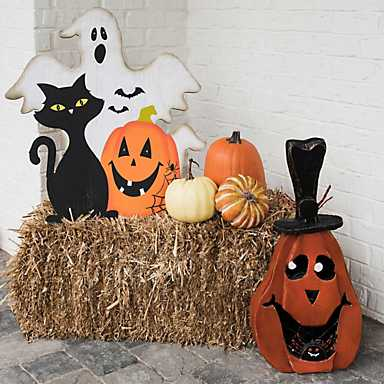 halloween Decoratied and a bale of hay