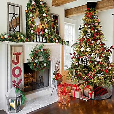 A festive room in red, white and green