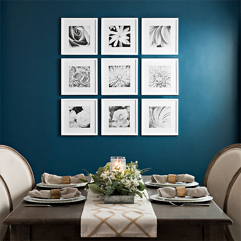 A large variety of frames for your photos
