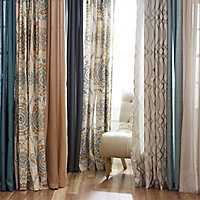 The latest trends in Rugs & Curtains