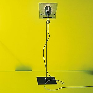 Los Minimalos Uno Table Lamp by Ingo Maurer