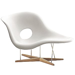 La chaise by vitra at for Charles et ray eames chaise
