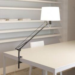 Lektor Clip-On Desk Lamp by Carpyen