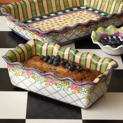 Taylor: Farmhouse Bakeware