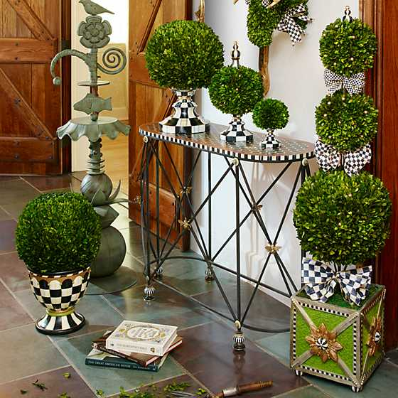 Courtly Check Triple Tier Topiary