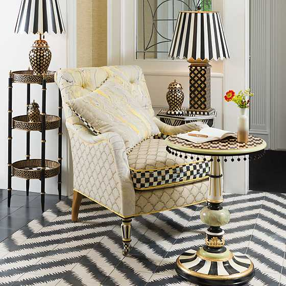 ... Quatrefoil Table Lamp   Small