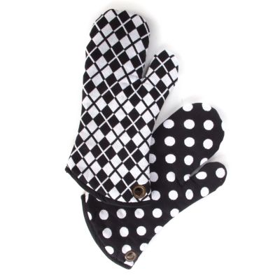 Black & White Dot Oven Mitts - Set of 2