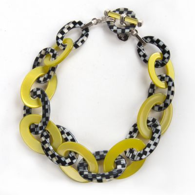 Lime Liaison Short Necklace