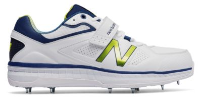 Image of New Balance 4040v3 Men's Cricket Shoes | CK4040N3