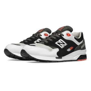 New Balance 1600 Elite Edition Paper Lights, Black with White