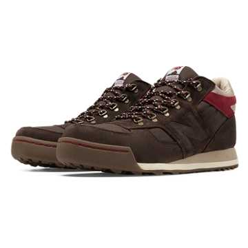 New Balance 710 Outdoor Suede, Brown with Linen & Red