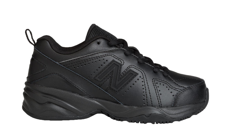 new balance kids 624v2 training shoes