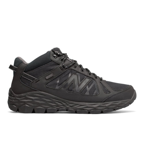 Our famous Fresh Foam midsole cushioning offers premium plushness and a soft, cushioning landing with every step.