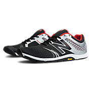 Minimus 20v3 Cross-Training, Black with Silver