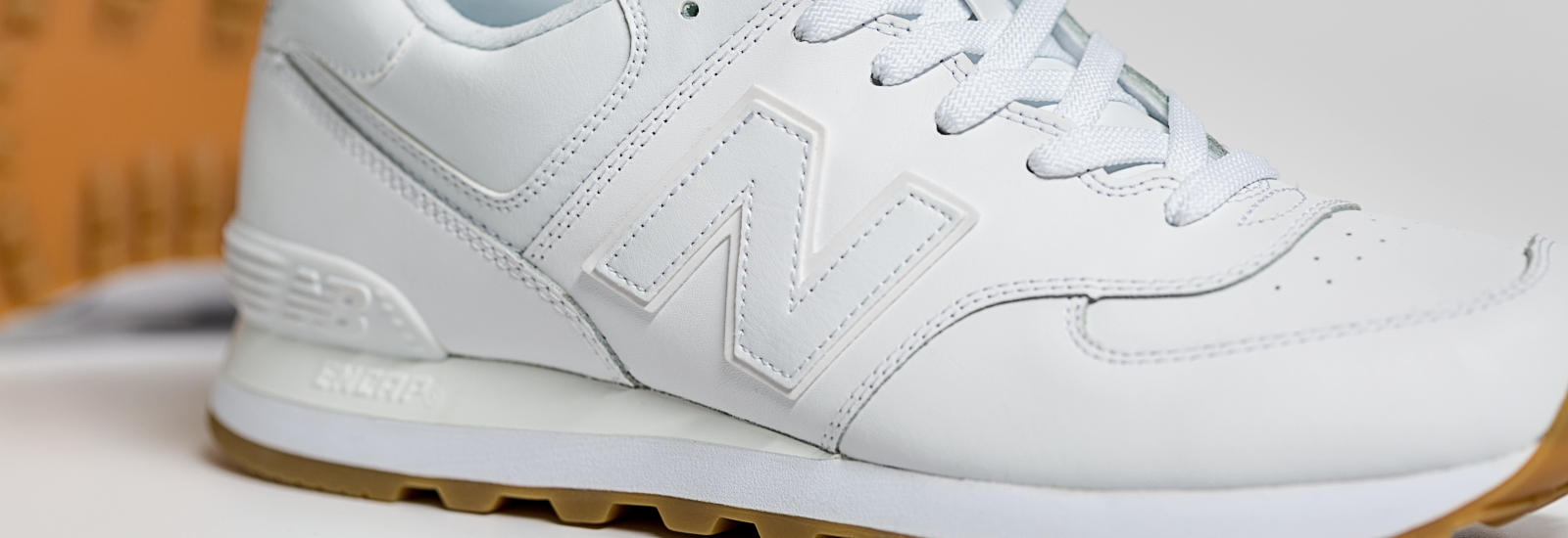 white leather new balance 574