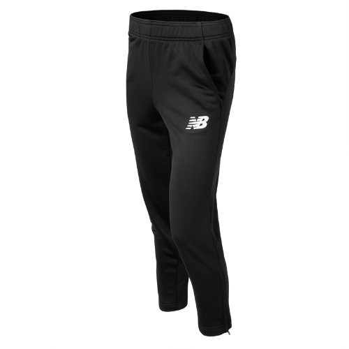 Jr Tech Pant is made with durable fabrics and features the classic NB logo at the left hip.