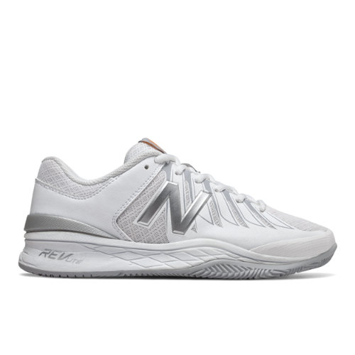 Go hard on the court but soft on your feet in the women\\\'s 1006. For the tennis player who thrives on comfort the REVlite midsole helps keep you light on your feet while the breathable mesh upper readies you for those long demanding matches.