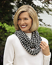 Hounds Tooth Knit Infinity Scarf