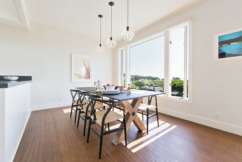 Trove Pendants in Crystal Glass Illuminate This Laguna Beach Dining Room