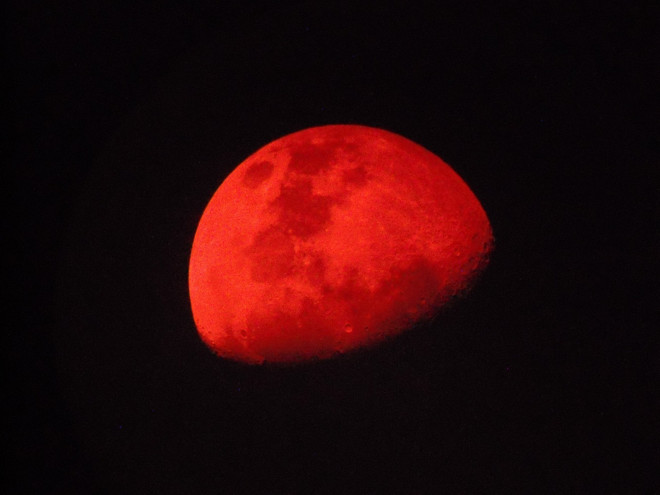 red moon at night meaning - photo #13
