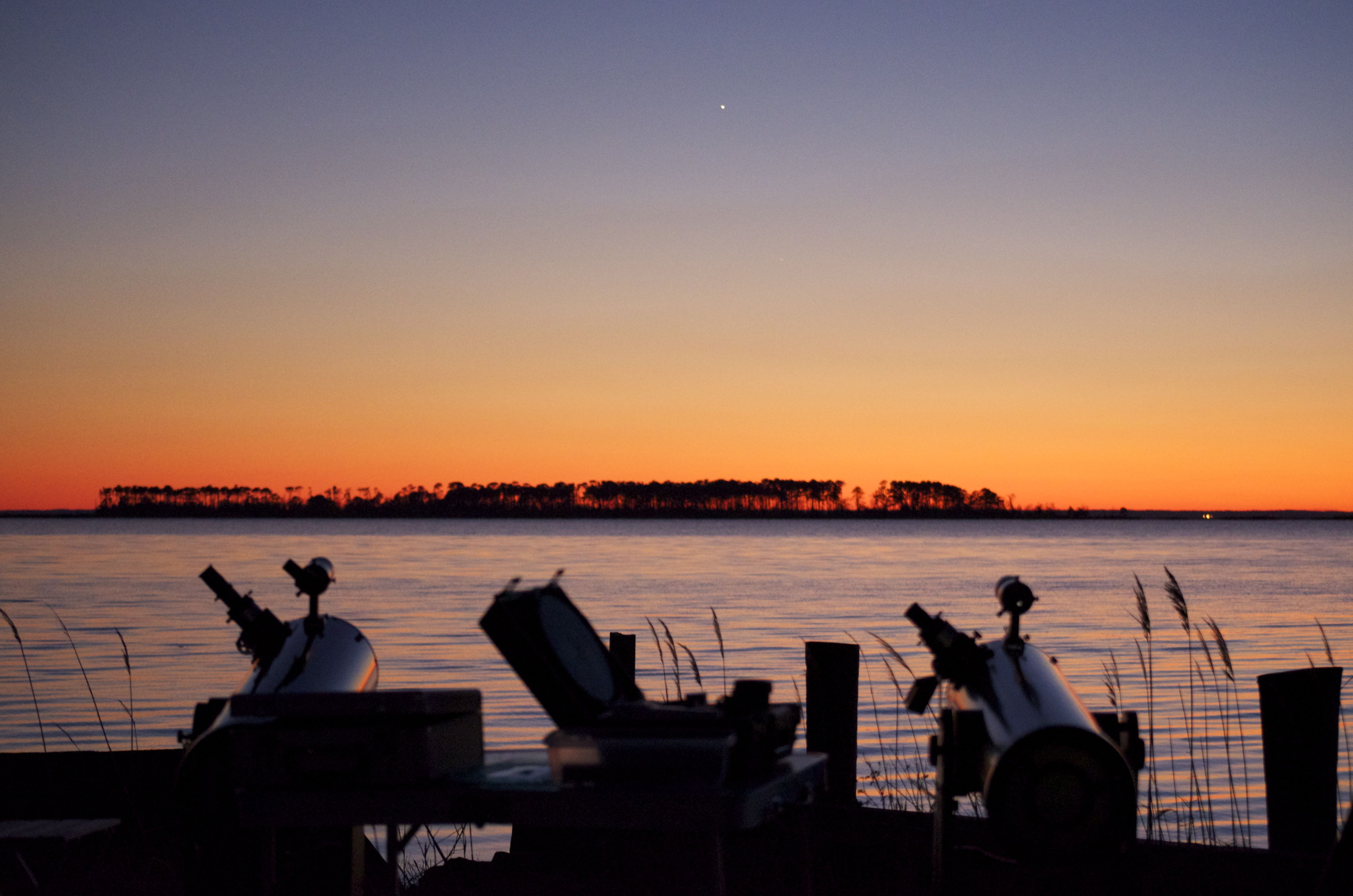 XT8s Scanning for Planets at Sunset