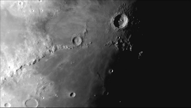 Moon close up astronomy images at orion telescopes - Moon close up ...