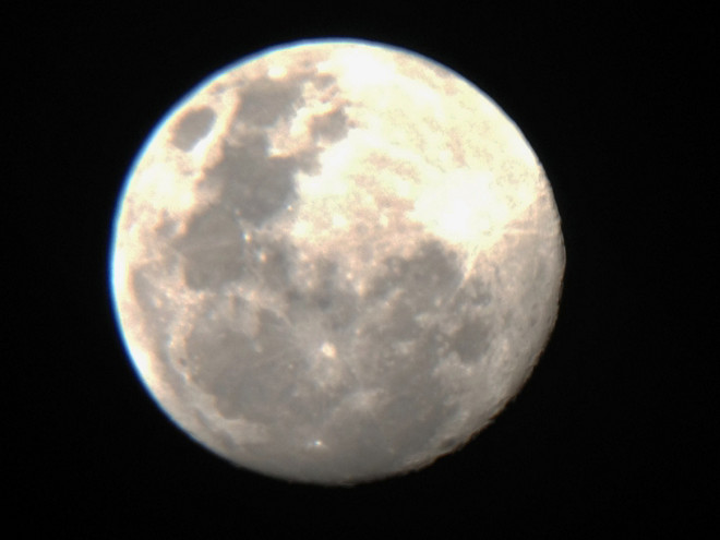 Moon with FunScope and iPhone at Orion Store