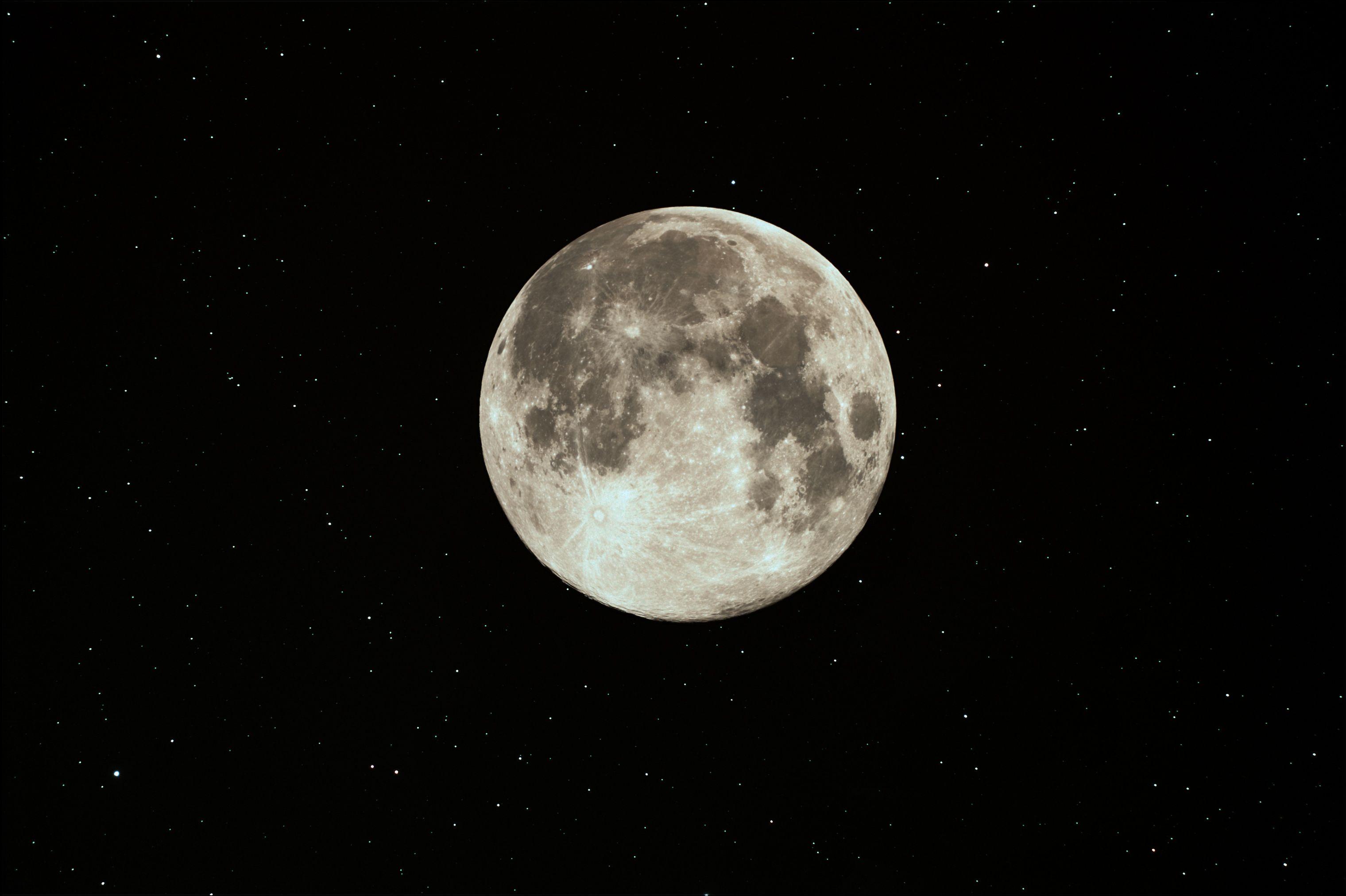 Full Moon in Aquarius at US Store