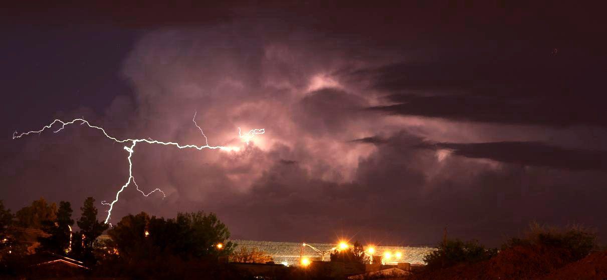 Lightning at US Store