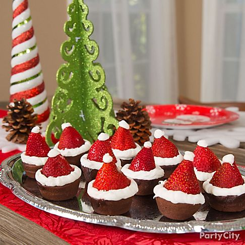santa hat strawberries