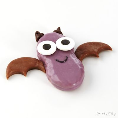 Candy dipped bat cookies how to party city for Easy kid friendly halloween treats