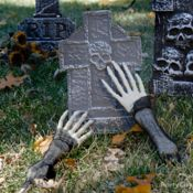 De-fright-ful Cemetery Decorating Ideas