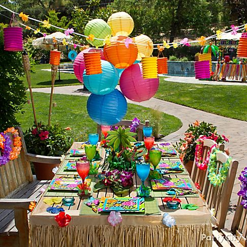 Easy to Make Luau Decorations http://www.partycity.com/content/luau+party+ideas.do