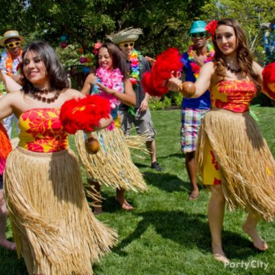 Easy ideas for a lei d back luau party city for How to make luau decorations at home