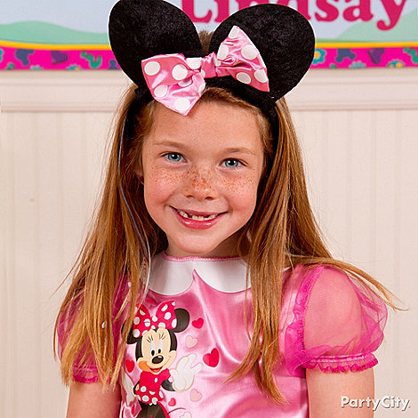 Minnie Mouse Party Ideas: Costume & Dress-Up