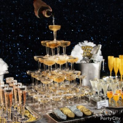 New Year S Eve Party Ideas In Black And Gold Party City
