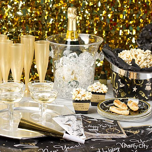 New Year's Eve Party Ideas in Black and Gold - Party City