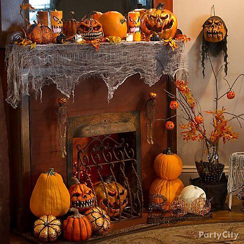 Scary pumpkin halloween decorating ideas party city - Deco hal halloween ...