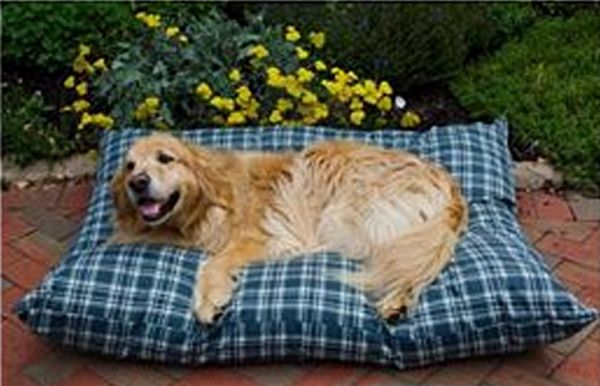 Shebang Outdoor Dog Bed Small Green Plaid