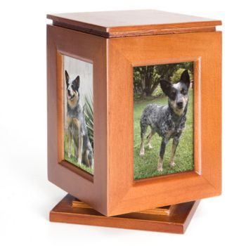 Pet Keepsake Memorial Maple-Rotating 6 x 9