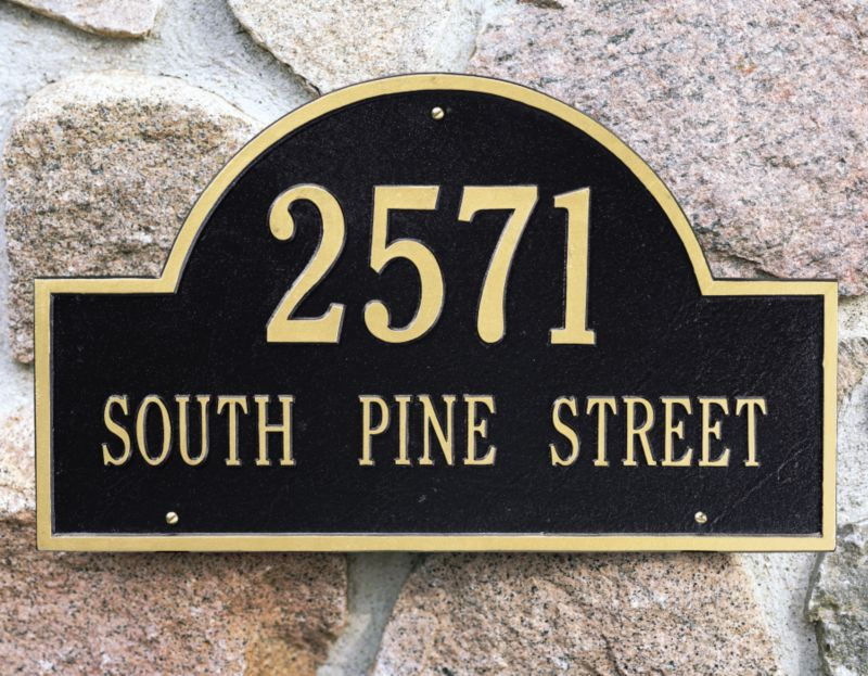Arch Address Plaque Estate Lawn Black/White