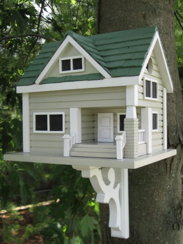 Bungalow Birdhouse