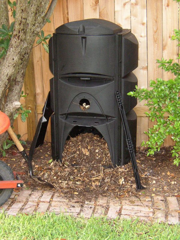 Earthmaker 3-Stage Aerobic Composter