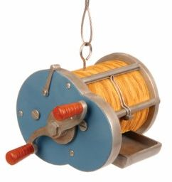 Cast Reel Bird Feeder