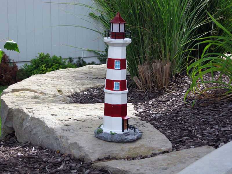 Solar Lighthouse 13 in